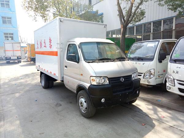 火狐体育电竞俊风3.3米(蓝牌)气体厢式车