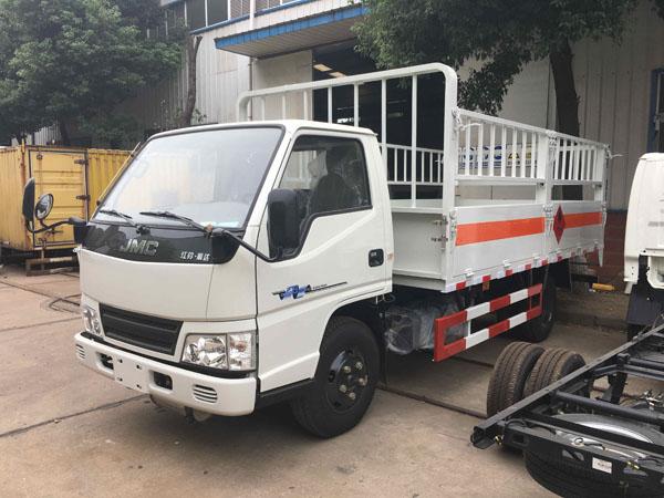 江铃4.1米(蓝牌)气瓶车