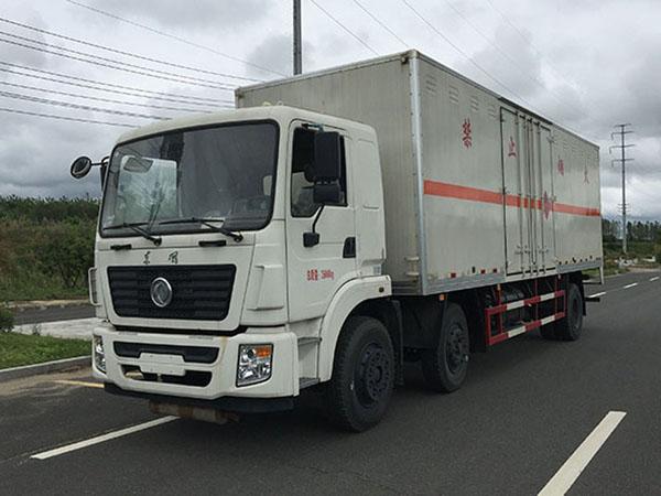 火狐体育电竞9.3米(13.9吨)气体厢式车