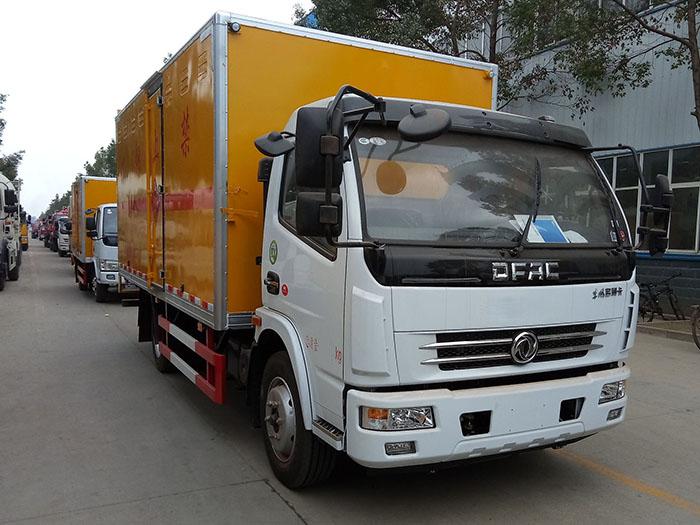 多利卡5.1米(6.4吨)气体厢式车
