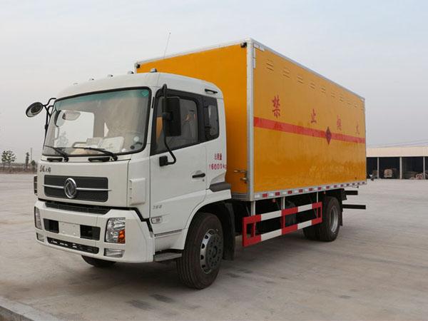 天锦6米2(9.9吨)爆破器材车