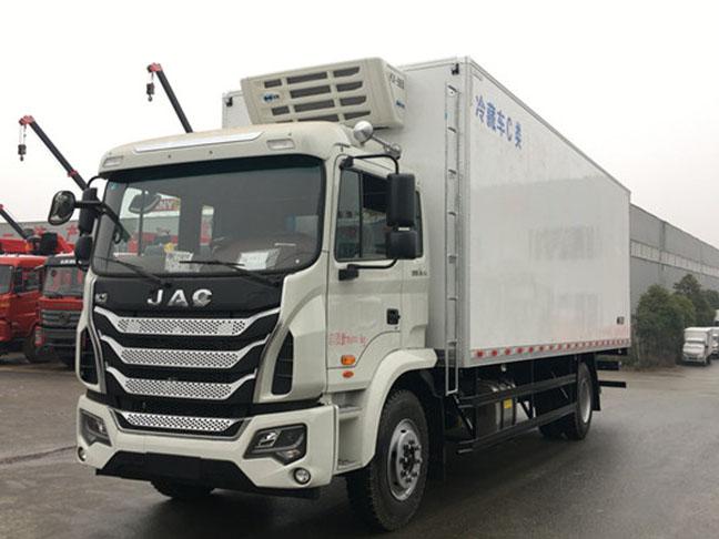 江淮格尔发K5 7.8米冷藏车