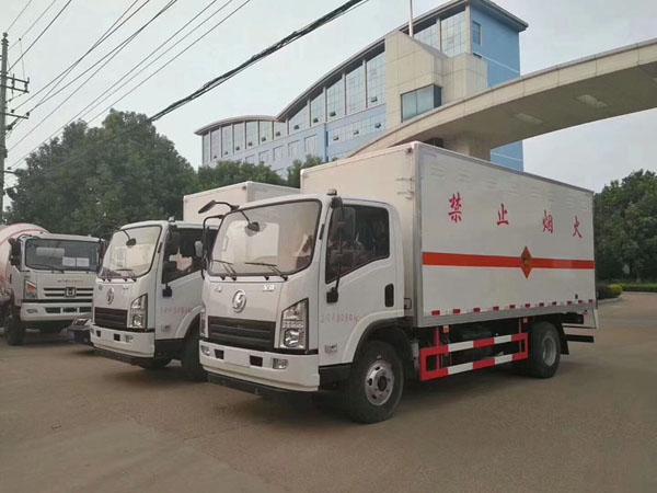 陕汽5.1米(3.6吨)气体厢式车