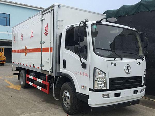 陕汽5米1(3.3吨)爆破器材车