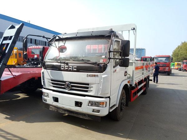 多利卡5.1米(7吨)气瓶车