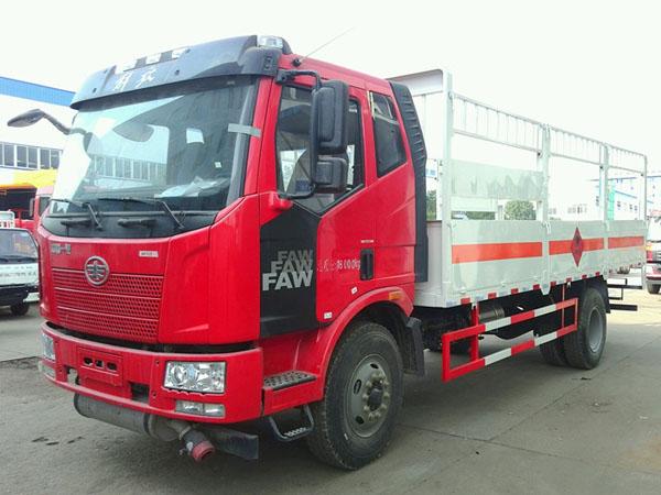 解放6.1米(11吨)气瓶车