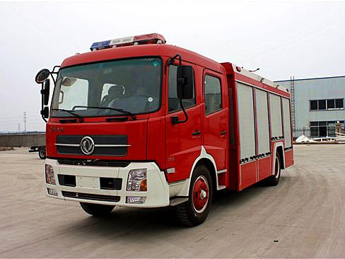 6吨天锦水罐消防车(内藏灌)