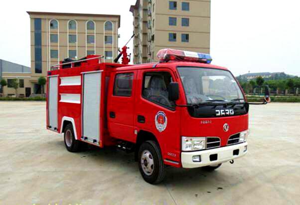 3吨火狐体育电竞福瑞卡水罐消防车